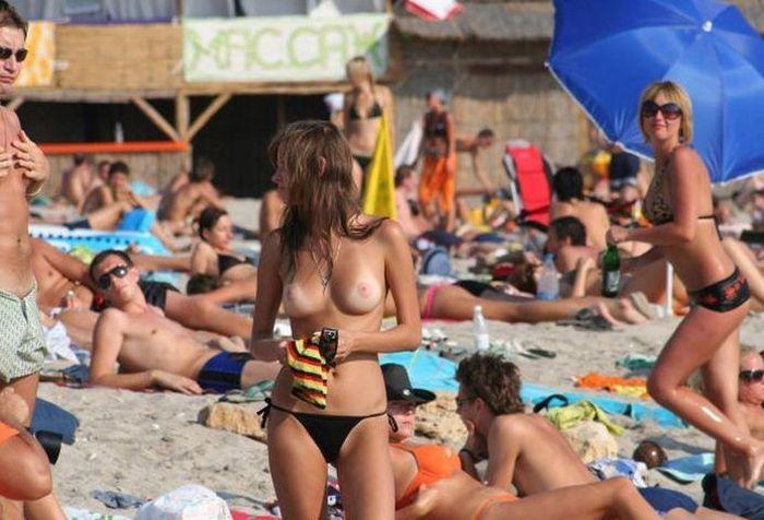ヌーディストビーチのお宝な放送事故