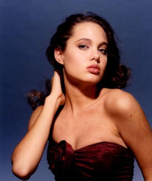 アンジェリーナジョリーのヌード乳首エロ画像