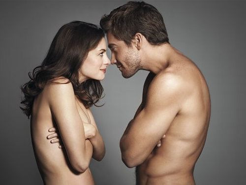 アンハサウェイのヌード乳首エロ画像
