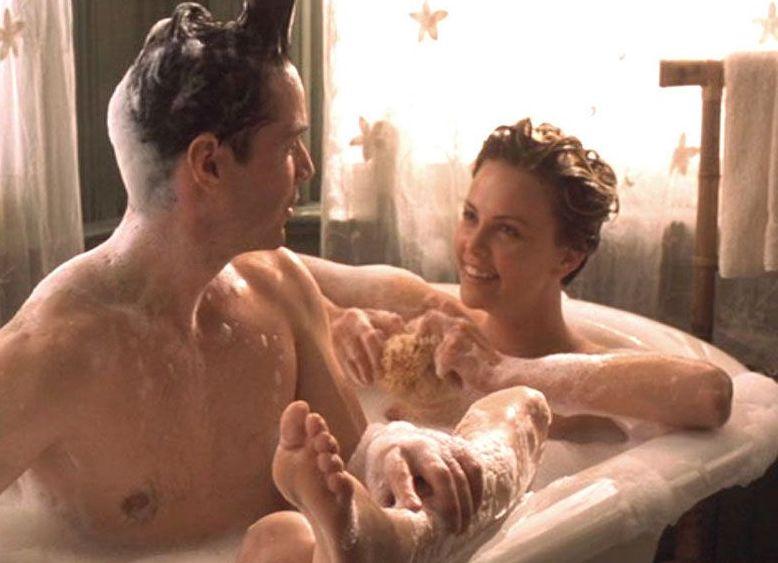 シャーリーズセロンのセックスの濡れ場画像