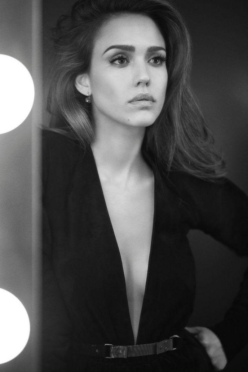 ジェシカアルバのヌード乳首エロ画像