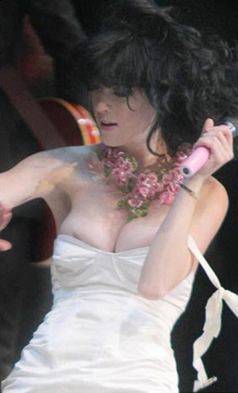 ケイティペリーのセックスの濡れ場画像