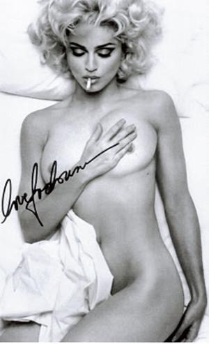 マドンナの全裸ヌードで露出画像