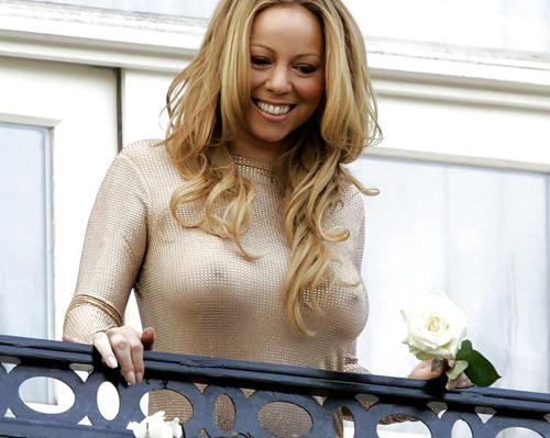マライアキャリーの巨乳で胸チラエロ画像