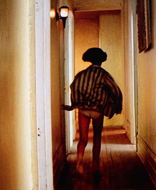 ナタリーポートマンの全裸ヌードで露出画像