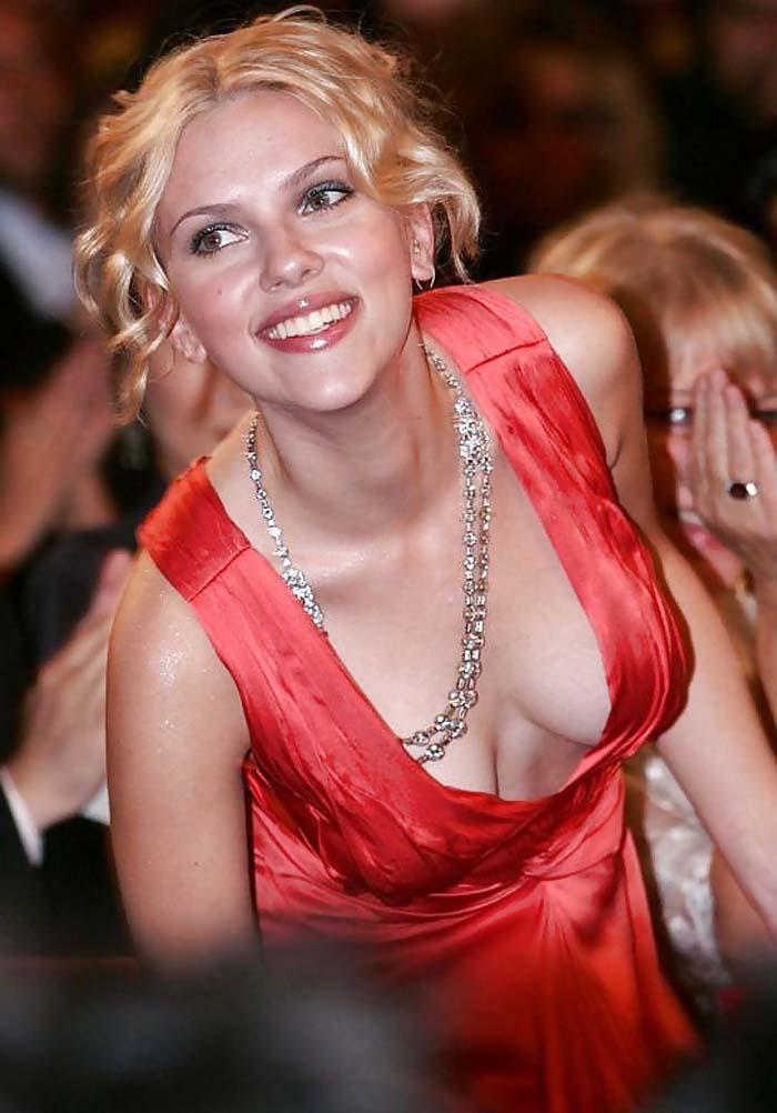 スカーレットヨハンソンの巨乳で胸チラエロ画像