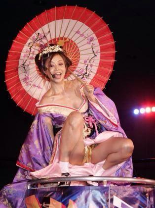インリン・オブ・ジョイトイのセックスの濡れ場画像