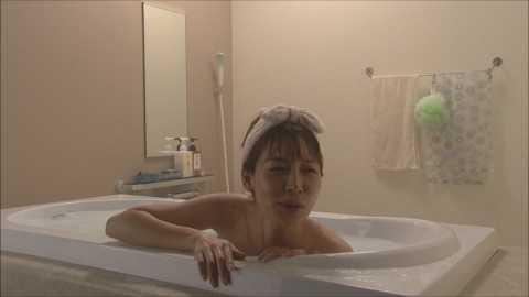 相武紗季モロにマンスジやハミマンエロGIF画像