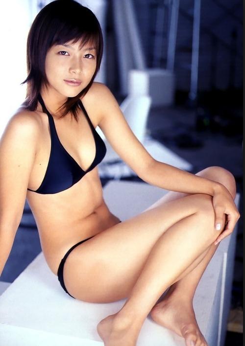 相武紗季の乳首ポロリしたヌードエロ画像や胸チラ