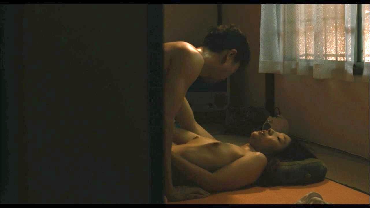 安藤サクラの全裸ヌードで露出画像
