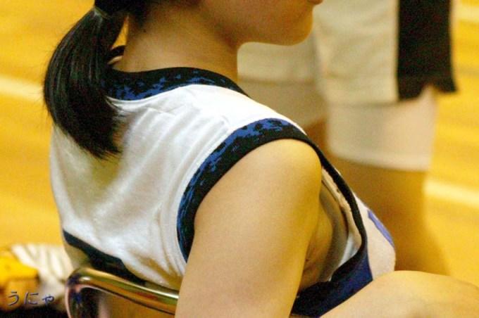 バスケのおっぱい乳揉みエロ画像