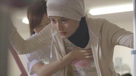 橋本愛のおっぱいヌード乳首エロ画像