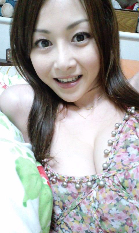 杉原杏璃の乳首ポロリ