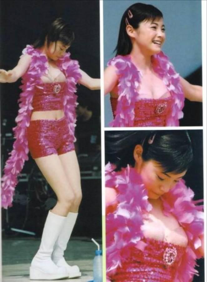 松浦亜弥の乳首ポロリのおっぱいエロ画像