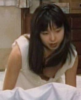 山口智子の乳首ポロリのパンチラエロ画像