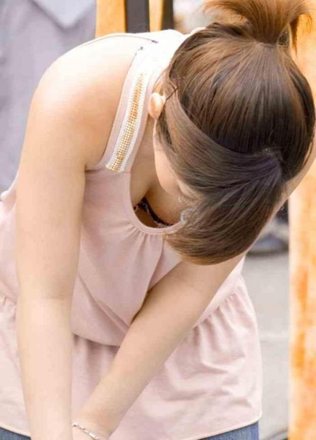 江藤愛のパンチラエロ画像