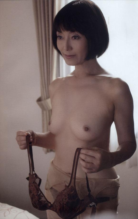 芸能人のパンチラエロ画像島田陽子