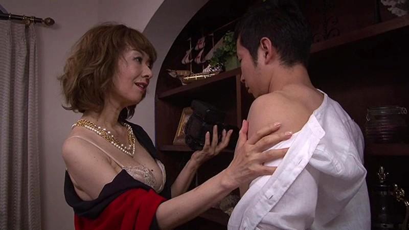 芸能人のセックス全裸で真梨邑ケイマンコハメ撮り画像