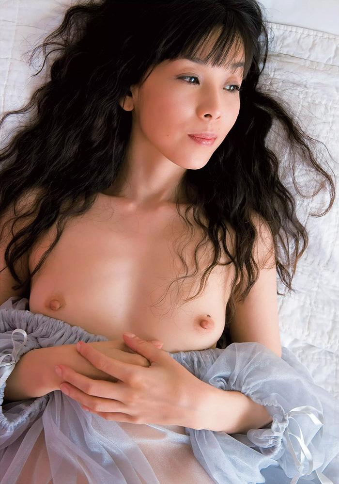 芸能人の鈴木早智子 セックス全裸でマンコハメ撮り画像