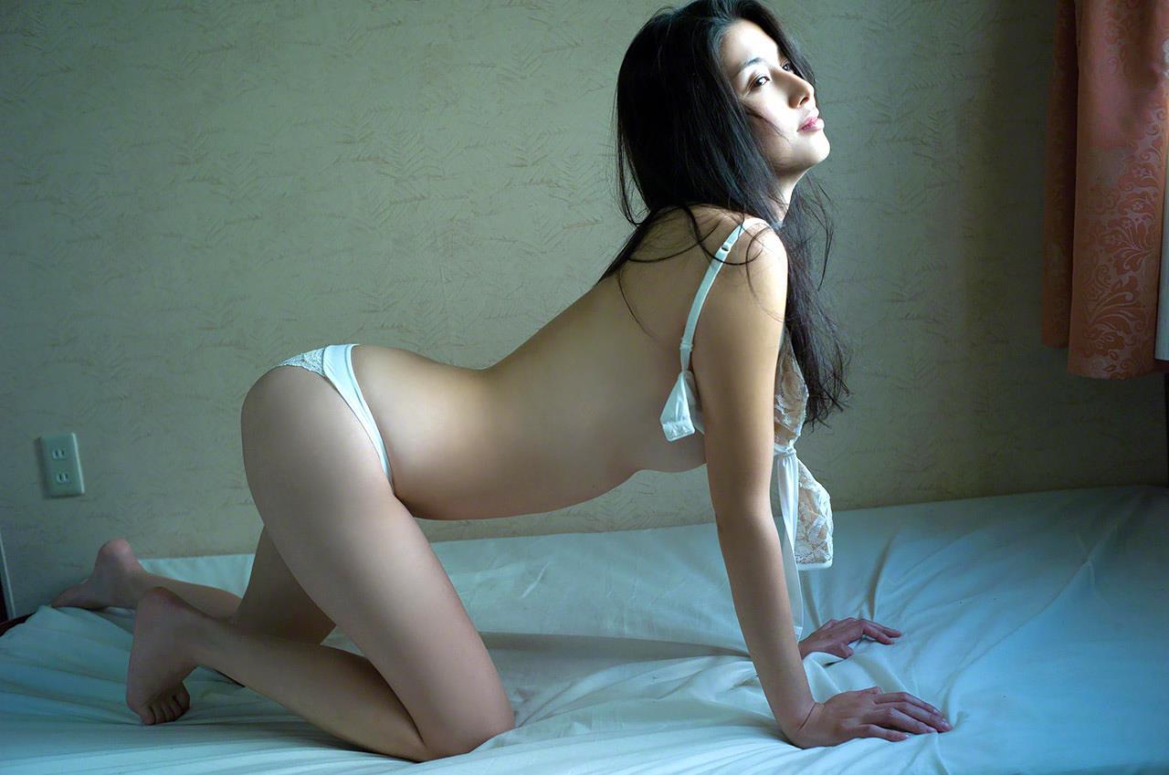 橋本マナミのおっぱいエロ画像