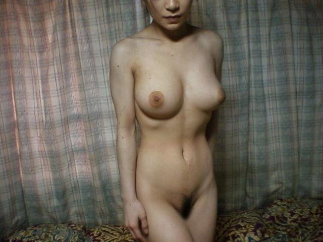 人妻熟女の三十路の全裸ヌード