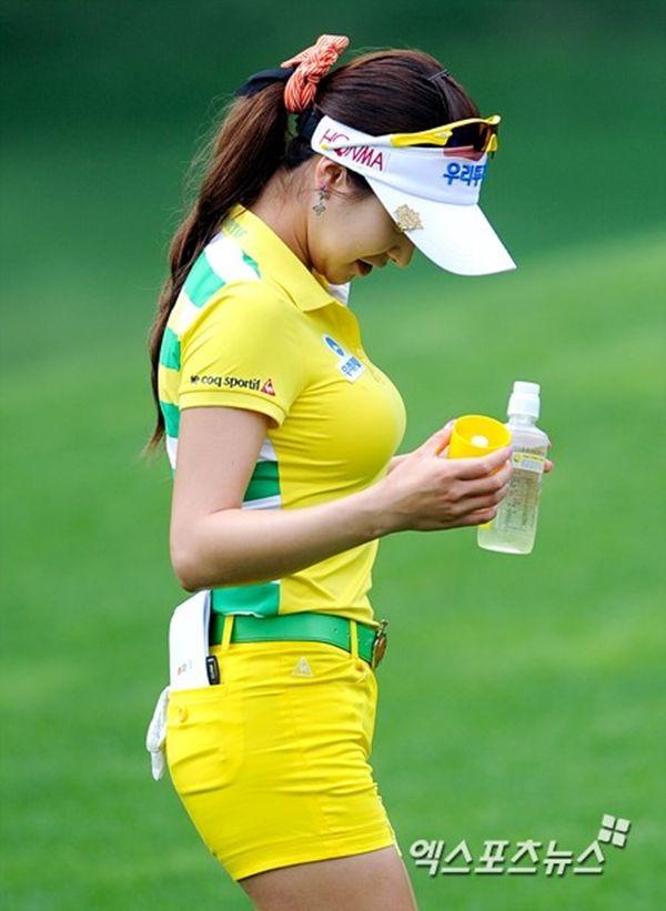 アンシネ女子ゴルフのエロおっぱい画像
