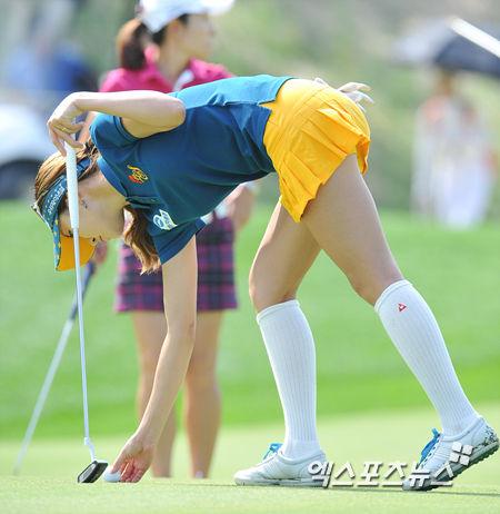 アンシネ女子ゴルフのお宝エロ画像