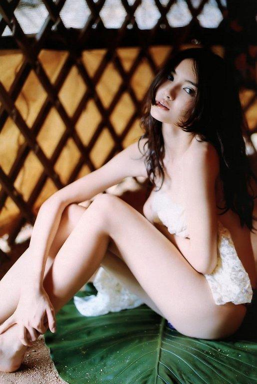 市川紗椰のエロヌード画像