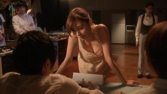 池田エライザの裸エプロン
