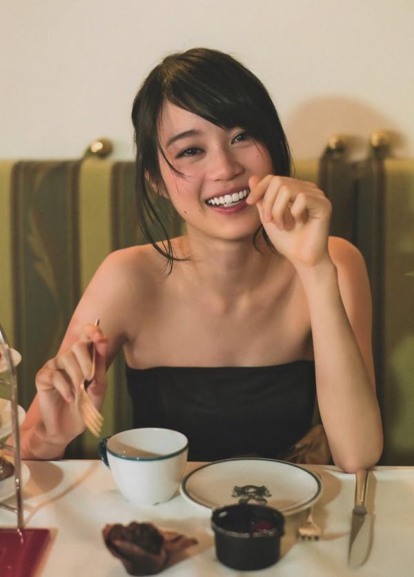 生田絵梨花のセックスエロ画像