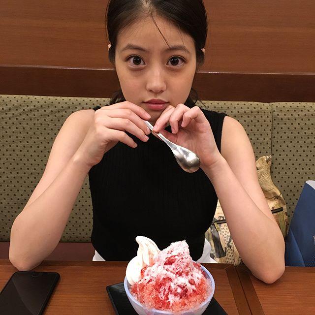 今田美桜のパンツ丸出しエロ画像