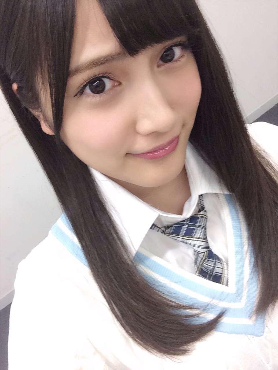 入山杏奈のおっぱいエロ画像