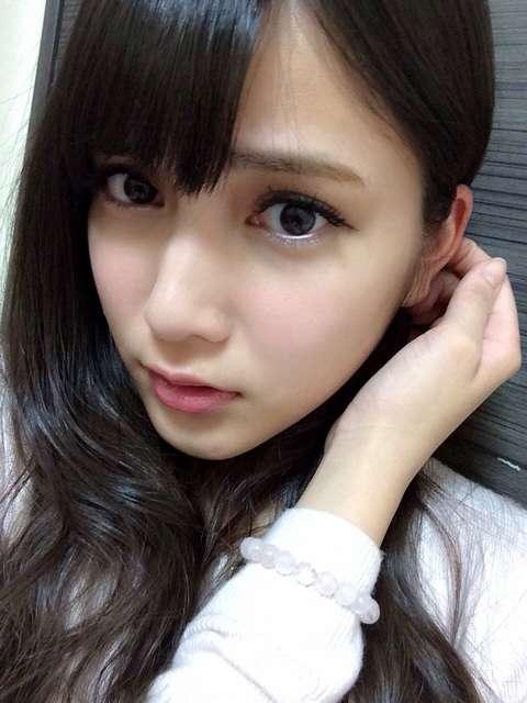 入山杏奈のヌード乳首エロ画像