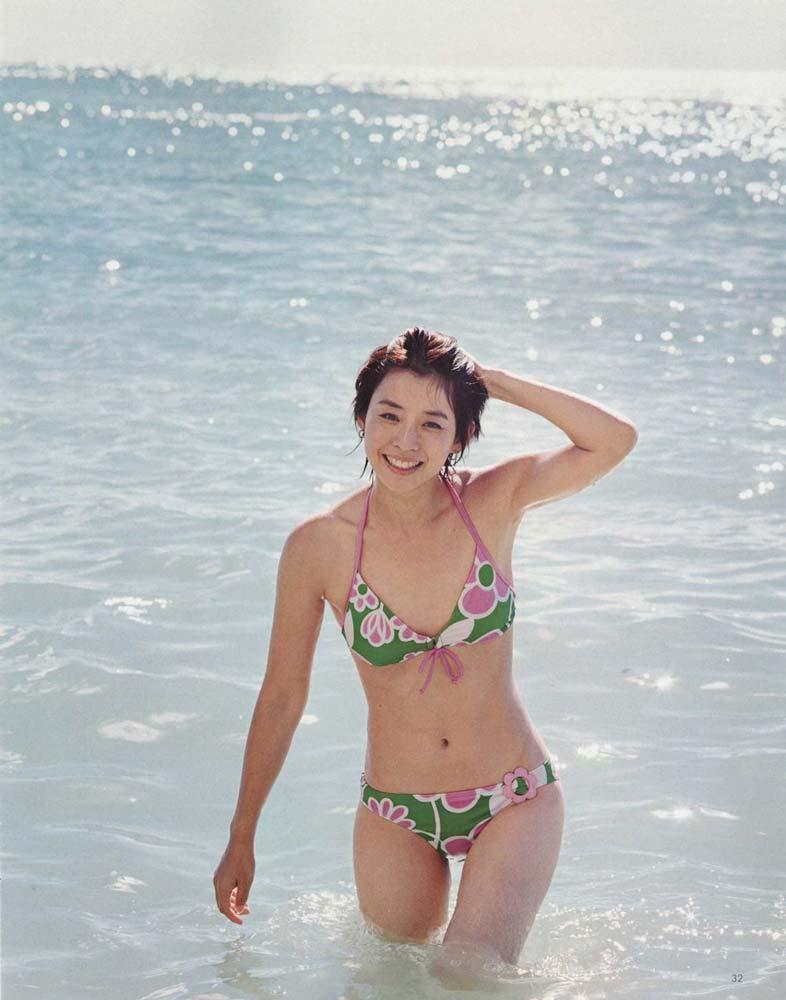 石田ゆり子のセックスの濡れ場画像