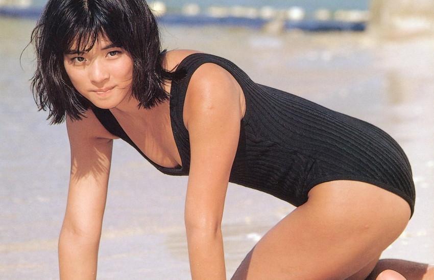 石田ゆり子のおっぱい乳揉みエロ画像