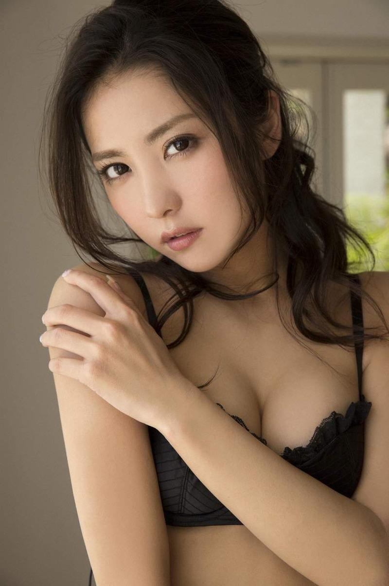 石川恋のお宝エロ画像