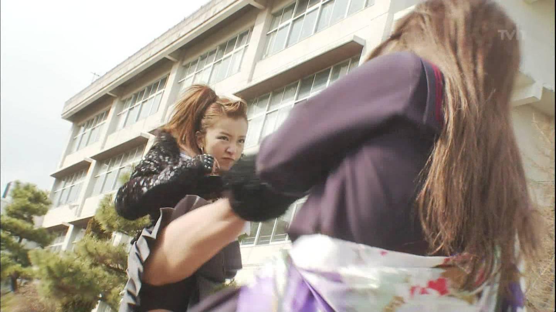 板野友美のお宝エロ画像