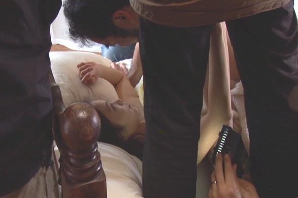 岩佐真悠子のエロ画像