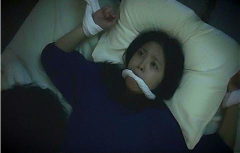 岩佐真悠子の胸チラエロ画像