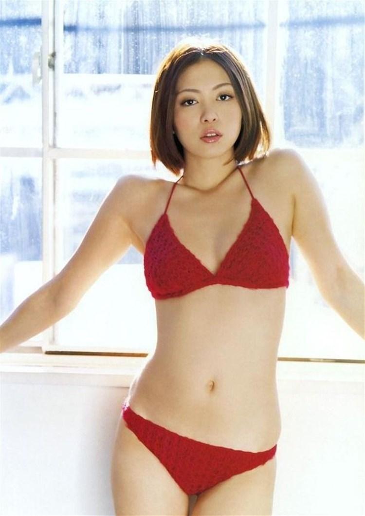 岩佐真悠子モロにマンスジやハミマンエロGIF画像