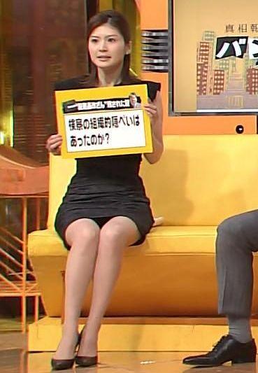 女子アナ鈴江奈々の下着丸見えパンチラエロ画像が抜ける