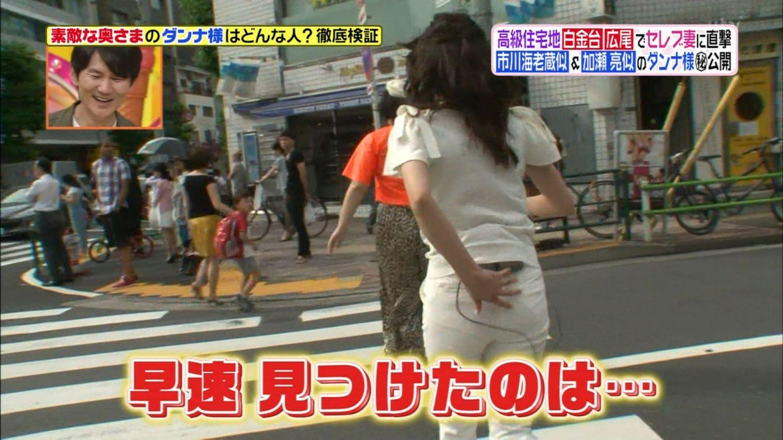 女子アナ笹崎里奈の下着丸見えパンチラエロ画像が抜ける