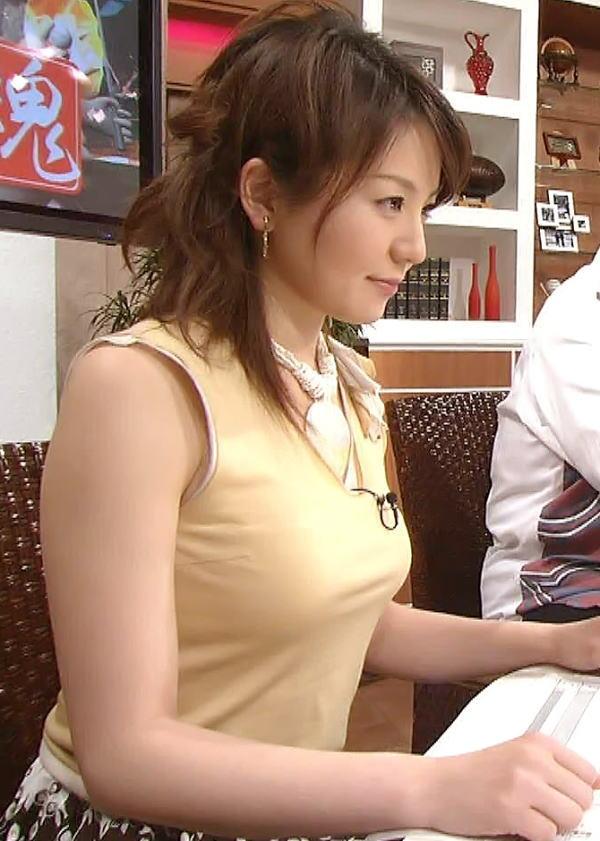 女子アナの下着丸見えパンチラエロ画像が抜ける