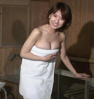 女子アナ古瀬絵理の巨乳爆乳なおっぱいエロ画像がセクシーすぎる