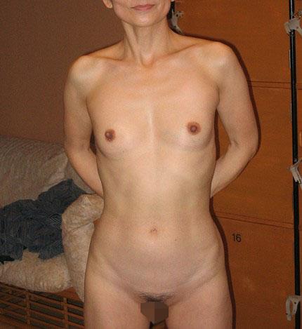 五十路(50代)の熟女の中出しエロ画像
