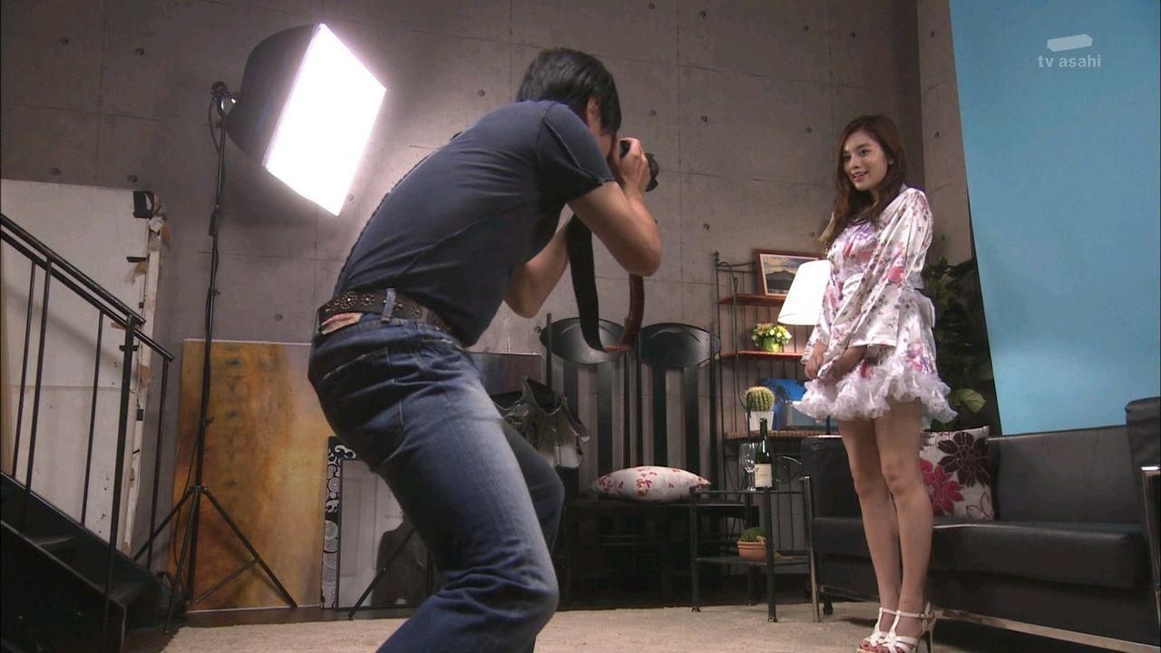 キャバ嬢でおっぱい見せる筧美和子エロ画像