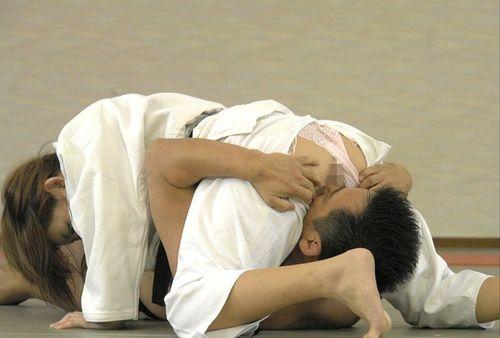 格闘技のエロパンチラ画像