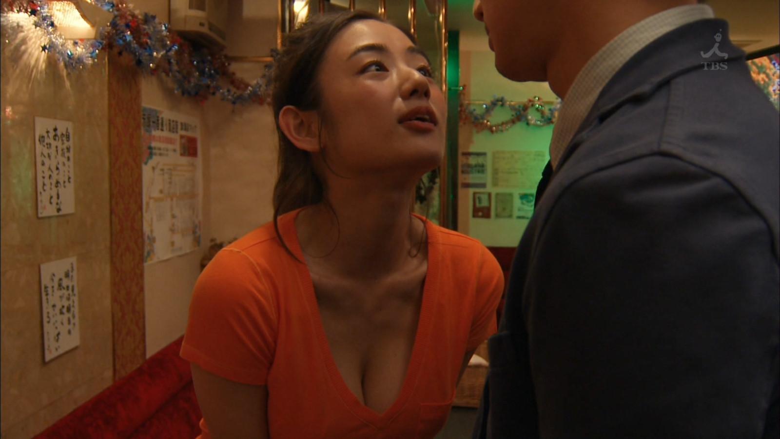 片山萌美のセックスの濡れ場画像