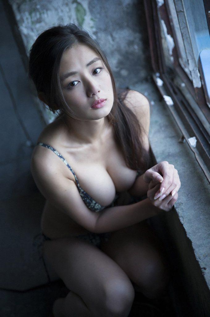 片山萌美のお宝エロ画像