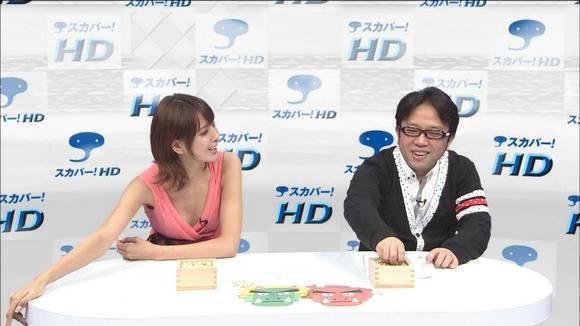 加藤夏希のおっぱい乳揉みエロ画像